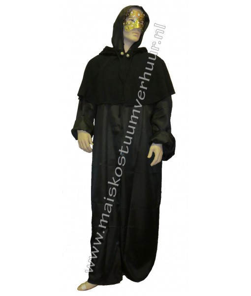 Eyes Wide Shut outfit